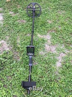 Equinox 600/800 Metal Detector With Headphones