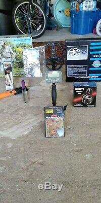 Garrett AT Max Metal Detector with wireless Headphone zlink and accessories