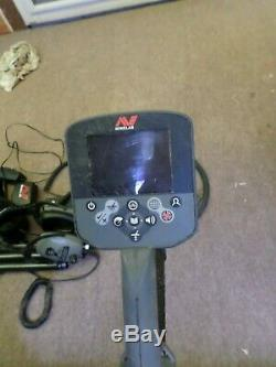 Minelab CTX3030 waterproof metal detector with accessories