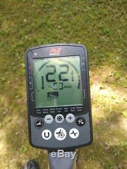 Minelab EQUINOX 600 Multi-IQ Metal Detector with 2 coils and soft case