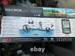 Minelab equinox 600 metal detector Bundle