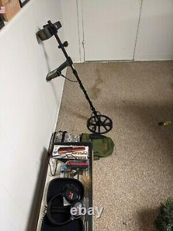 Minelab equinox 600 metal detector with pinpointer