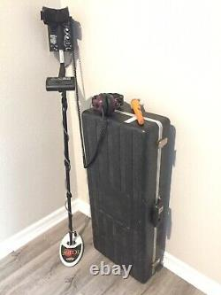 Whites Metal Detector MTX Tracker E-Series with Accessories & Hard Case