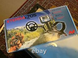 X-terra 705 minelab metal detector black used with accessories